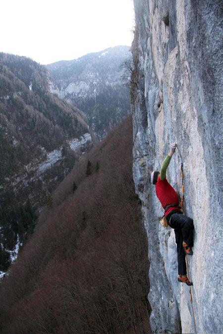 Manolo climbing Eroi fragili 30m 8c, Val Noana, Pale di San Martino, Dolomites, Cristina Zorzi