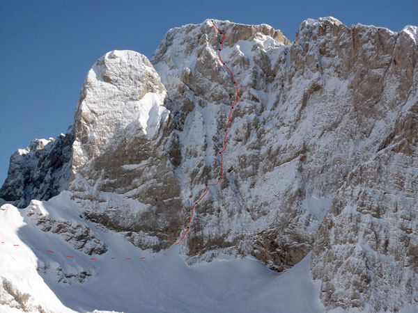 The line of the Piantobaldo, NW Face of Western Presolana, established by Yuri Parimbelli, Tito Arosio and Ennio Spiranelli and dedicated to Camos and Piantoni, arch. Parimbelli, Arosio, Spiranelli