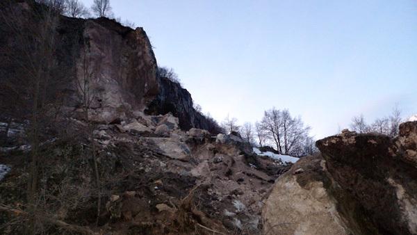 Frana a Pietracamela: al momento tutta la zona è interdetta perché oggettivamente pericolosa., Luca Mazzoleni