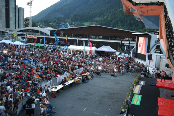 Il pubblico e lo stadio di Chamonix 2007, IFSC - International Federation of Sport Climbing