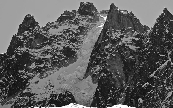 The descent of the North Face of Aiguille du Plan (Mont Blanc) by Davide Capozzi, Luca Rolli and Francesco Civra on 08/04/2011., archivio Davide Capozzi