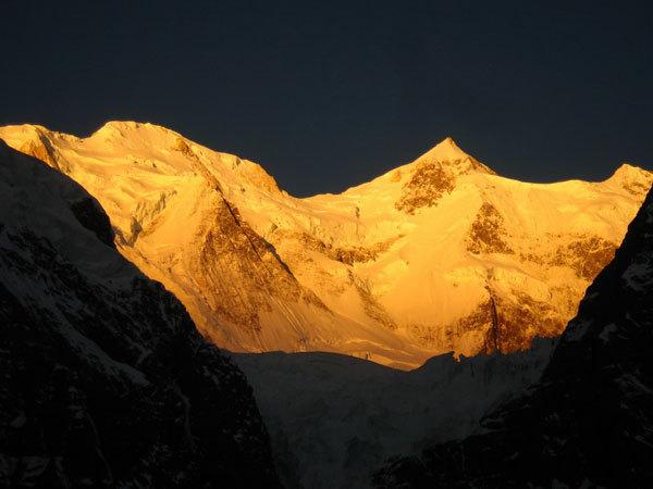 La parete nord del Gasherbrum II e il lato (irraggiungibile) dei sogni., Courtesy Montagna.tv
