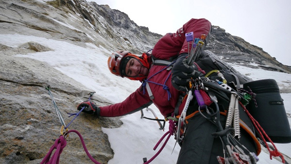 Ueli Steck climbing the North Face of Cholatse (6440m), arch Ueli Steck