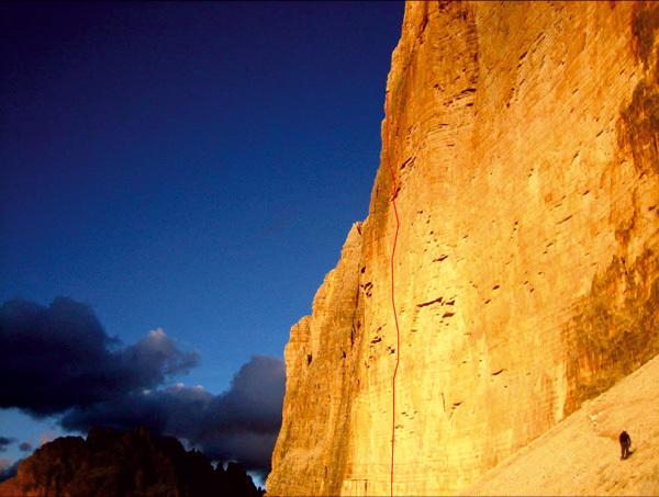 Via Camilotto Pellesier alla parete Nord della Cima Grande di Lavaredo (Dolomiti)., Florian Riegler