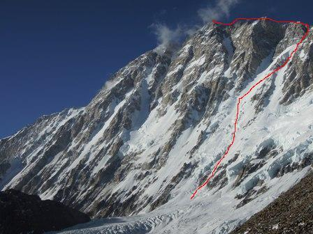 The route chosen by Ueli Steck up Shisha Pangma, arch Ueli Steck