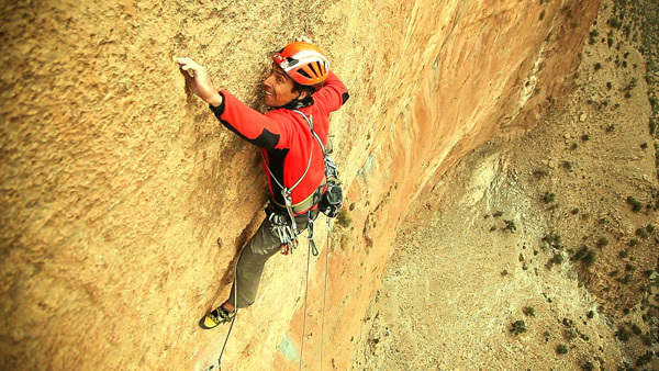 Aymeric Clouet on pitch 4 (8a) of Walou Bass in Taghia, Morocco, Bertrand Delapierre