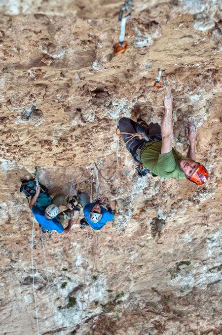 """Nicola Sartori, Luca Giupponi e Rolando Larcher su Pompa funebre - Monte Pellegrino - Parete dei Rotoli, Giampaolo Calzà """"Trota"""""""