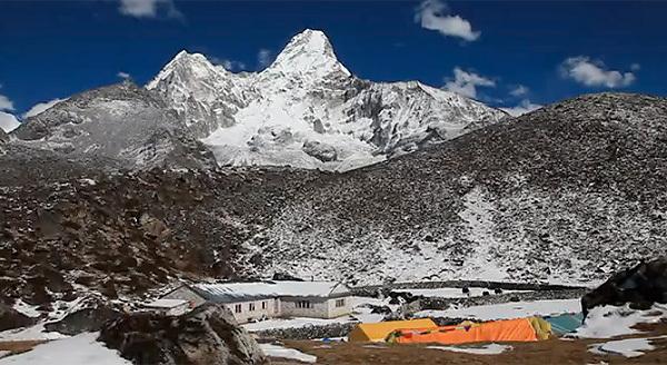 Ama Dablam, 6856m, Nepal, archive Stuart Holmes