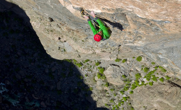 Hansjörg Auer during the first free ascent of Hallucinogen Wall 5.13+/R, North Chasm View Wall, Black Canyon, Colorado, USA., Cory Richards