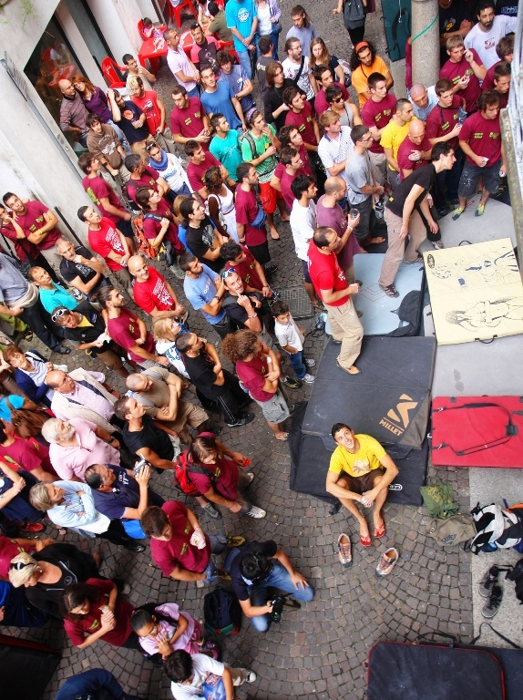 La finale dell' Omegna Street Boulder che si è svolto sabato 11 giugno 2011 ad Omegna sul Lago d'Orta (VB)., Lorenzo Scandroglio
