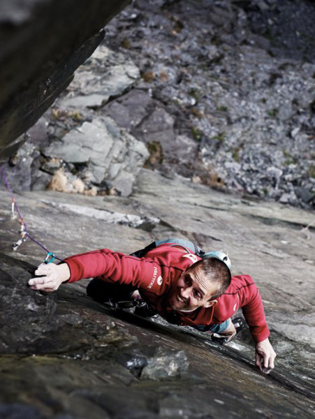 Steve Mcclure repeating The Quarryman E8, Dinorwig slate quarries, North Wales, Tim Glasby