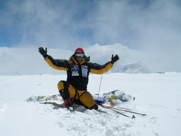 Marco Confortola on the summit of Cho Oyu in 2007., archivio Marco Confortola