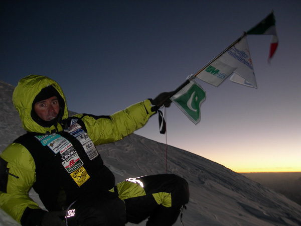 Marco Confortola on the summit of K2 in 2008, archivio Marco Confortola