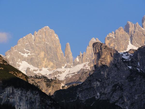 DoloMitiche - Campanile Basso at dawn, archivio Alessandro Beber