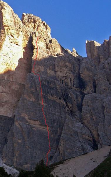 Il mio criceto (400m, 7b max, 7a obbl.) Tofana di Rozes, Dolomiti, Dejan Koren