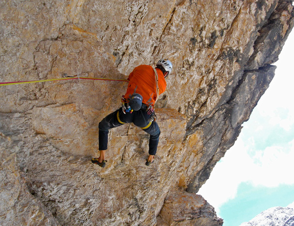 Dejan Koren climbing through the big rood of Il mio criceto, Tofana di Rozes, Dolomites, Dejan Koren
