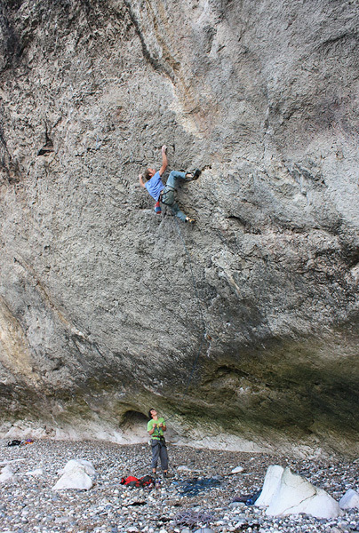 Neil Dyer on The Brute 8b, The Diamond, Little Orme, North Wales, Simon Panton