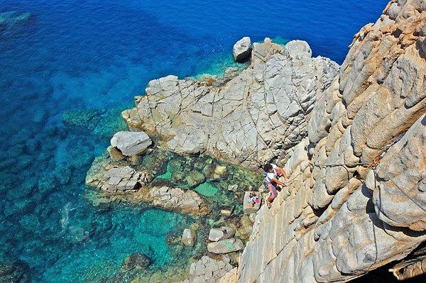 Trad climbing at Capo Pecora, Sardinia, Pietradiluna.com