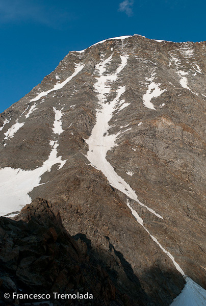 The couloir du Gouter seen from the Tete Rousse hut. The Gouter hut can be made out on the upper ridge., Francesco Tremolada