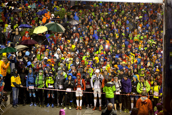 The start of the The North Face Ultra Trail du Mont Blanc 2011, Alessandro Belluscio