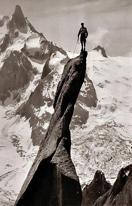 Gaston Rebuffat sul Pic de Roc - una foto per la-Nasa!, archivio A. Giorda
