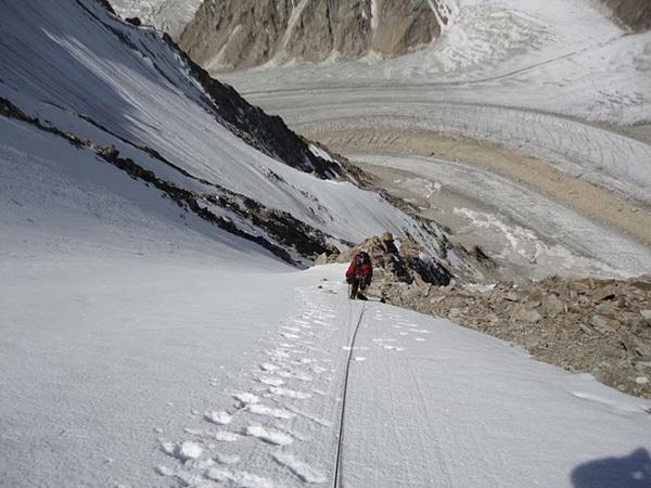 Il 22/08/2011 una spedizione spagnola guidata da Jonas Cruces ha effettuato la prima salita del Junai Kangri (6017m) in Karakorum, India lungo la via