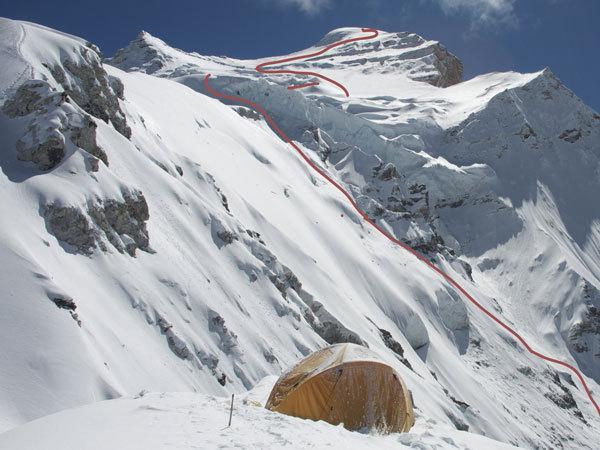 La discesa con gli sci di Fabio Beozzi sul Cho Oyu, archivio Mountain Kingdom