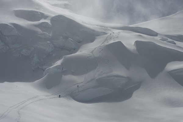 Fabio Beozzi and first ski descent of the Messner variation from 6900m to 6000m on Cho Oyu., Fabio Beozzi