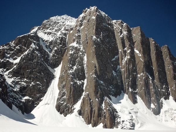Mount Kyzyl Asker, Kirghizistan, Franz Walter |visualimpact.ch