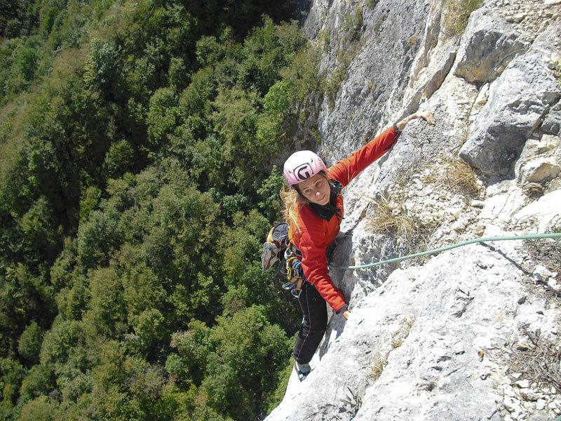 Angela Carraro su L4 di Momento Libero, Sasso Rosso, Valbrenta - Canal di Brenta, archivio A. Roverato