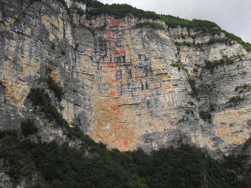 Momento Libero, Sasso Rosso, Valbrenta - Canal di Brenta, archivio A. Roverato