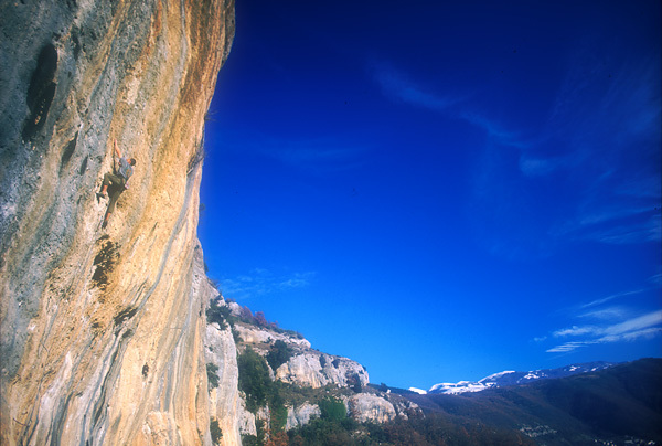 The great crag in central Italy, Grotti, Planetmountain.com