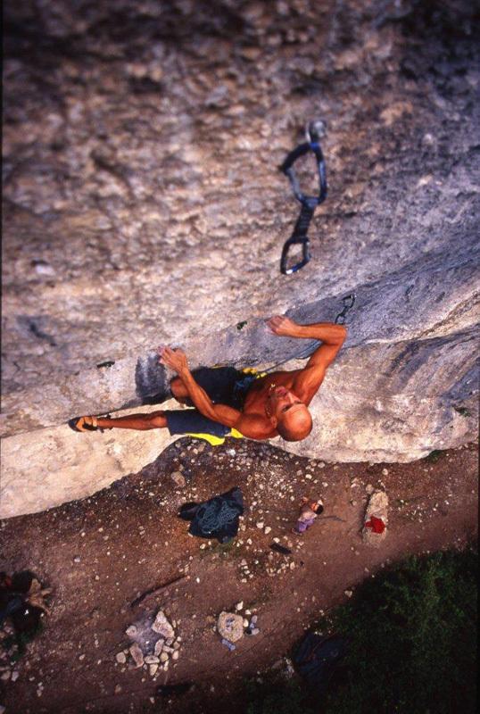 Alessandro Jolly Lamberti freeing Zandalee 8c at Grotti, Alfredo Smargiassi