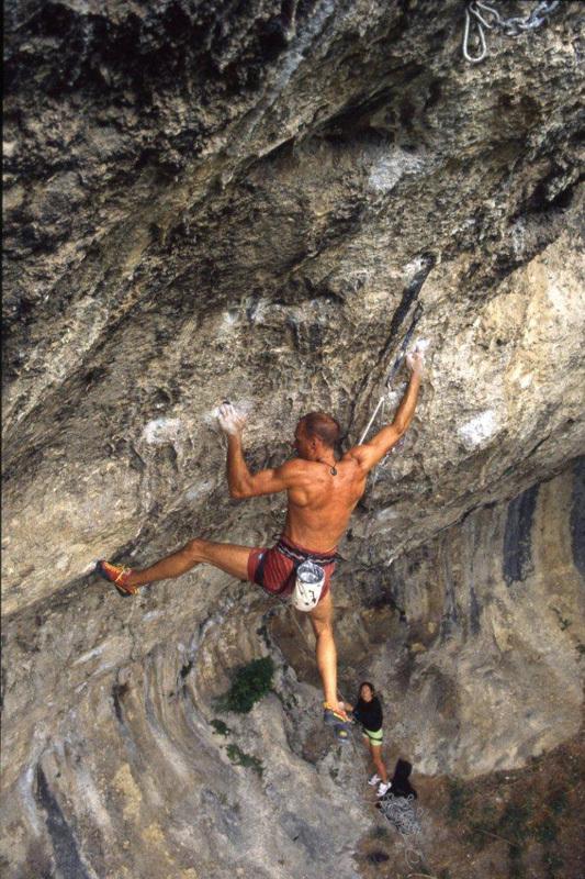 Alessandro Jolly Lamberti climbing Usura at Grotti, Alfredo Smargiassi