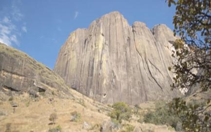 Tsaranoro Atsimo, Madagascar, Planetmountain.com