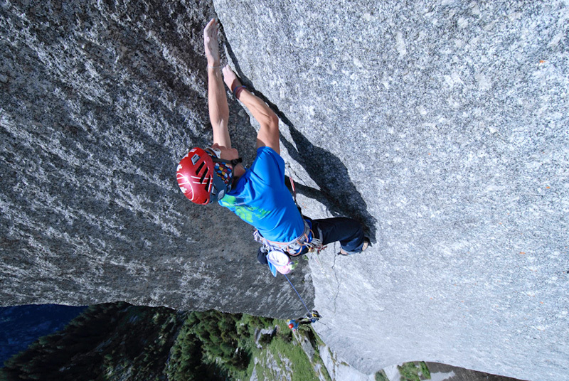 James Pearson repeating Joy Division (800m, 8b ) on Qualido, Val di Mello, Riky Felderer