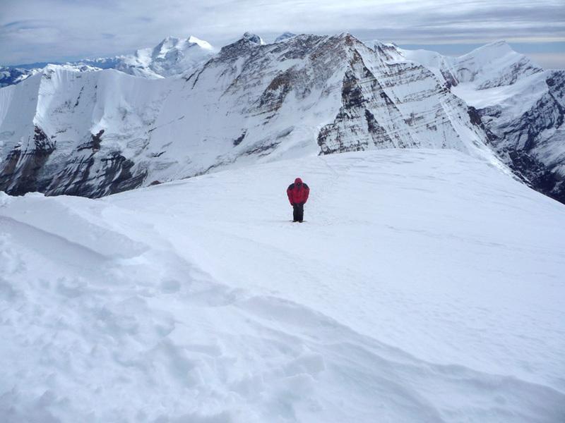 In salita verso la vetta del Putha Hiunchuli (Dhaulagiri VII) 7246m., Sergio Zigliotto