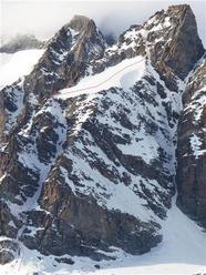 Punta di Ceresole (3777m), SE Couloir – 600m, 40-45˚ with some 50˚ sections, 5.2, E3.