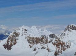 Aguja Poincenot, Patagonia. Il Cerro Grande, con le sue meringhe sommitali