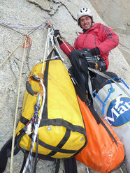 Matteo Della Bordella durante il tentativo sulla Ovest della Torre Egger tra il 2010 e il 2011