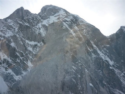 The rockfall on Piz Cengalo (3369m) in Val Bondasca on 27/12/2011.