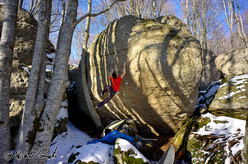 Bouldering at Monte Amiata with Michele Caminati