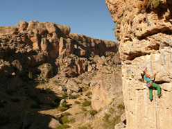 Hatice Tantekin climbing Yeni harman 6a at the Kazikli Canyon in Turkey
