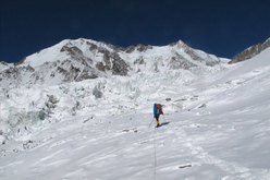 Simone Moro and Denis Urubko ascending towards Nanga Parbat.