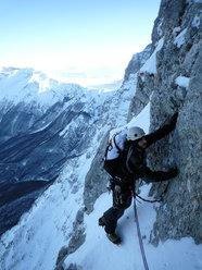 In inverno su Le nebbie del Paretone, parete Nord Ovest dell'Anticima della Vetta Orientale del Corno Grande.
