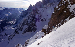 On 13/02/2012 Davide Capozzi and the Mountain Guide Stefano Bigio carried out a first ski and snowboard descent on Mont Rochefort (Mont Blanc).