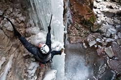Marco Milanese climbing Zanna Bianca, Forra del Vinadia
