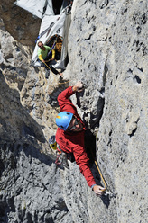Out of space (8a+ A1, 600m) Chalchschijen. Jvan Tresch sul 12° trio, 7b/c