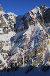Pointe d'Aufalle. The orange line markes the 2010 NW couloir, the red line the shoulder descent skied on 22.2.2012