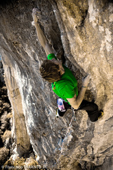 James Pearson sale Escalatamasters 9a a Perles in Spagna.